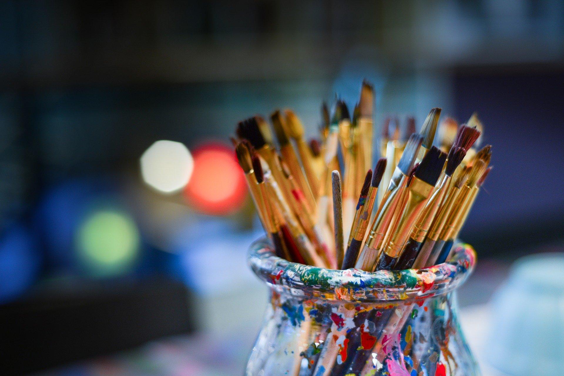 brushes-3129361_1920-12